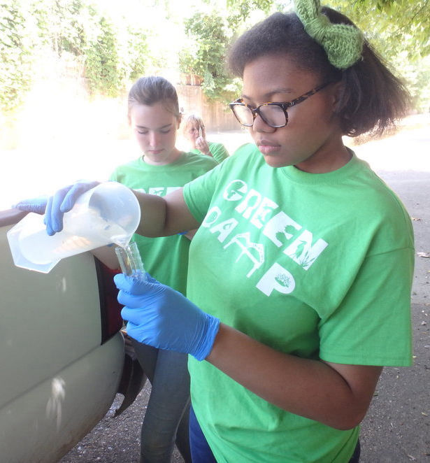 Jayla Dockery - evaluates local ecology!